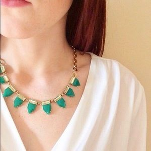 Stella & Dot Green Eye Candy Necklace